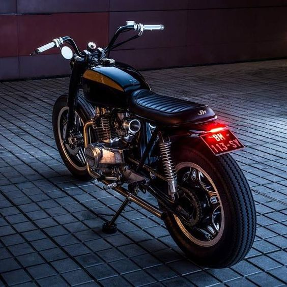 #10 CB400 N by Pierre Turtaut via JeriKan Motorcycles