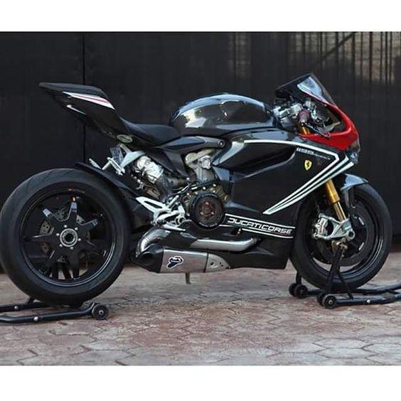 1199 panigale Sick Ducati #1199panigale#1199#ducati #motorcycle #motorcycles #bike #TagsForLikes #ride #rideout #bike #biker #bikergang #helmet #cycle #bikelife #streetbike #cc #instabike #