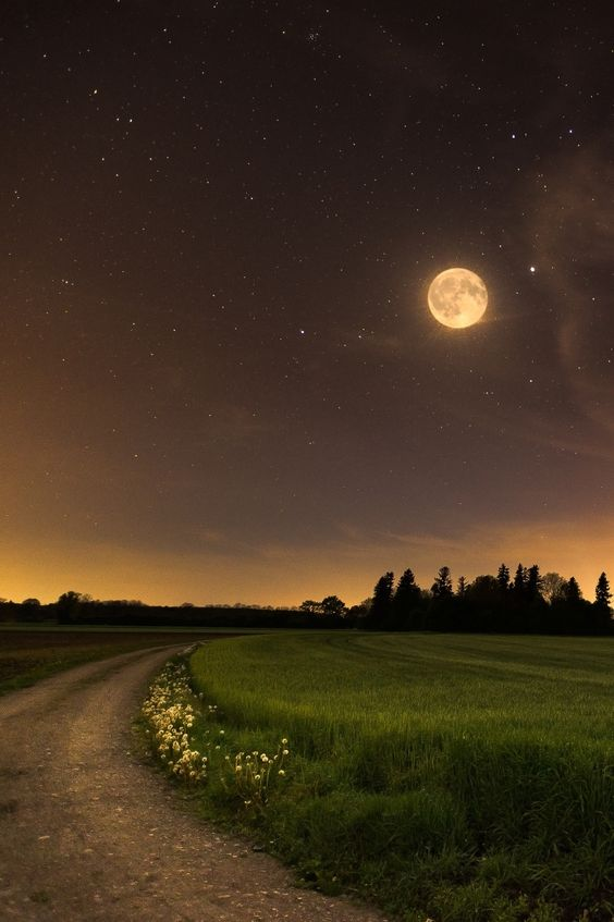 12 o´clock, Nachthimmel, by CFO, on 500px.(Trimming)