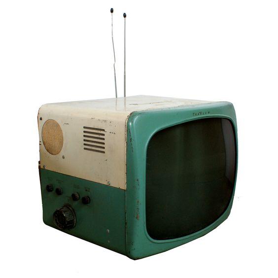 1950s Travler TV ( retro television set / vintage electronics )