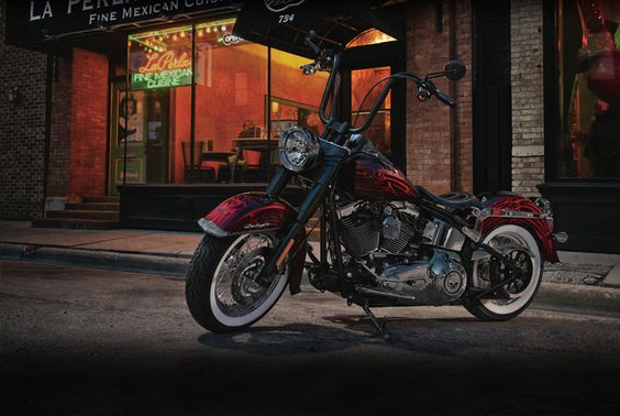 2012 Softail Softail Deluxe Motorcycle PhotosAndVideos