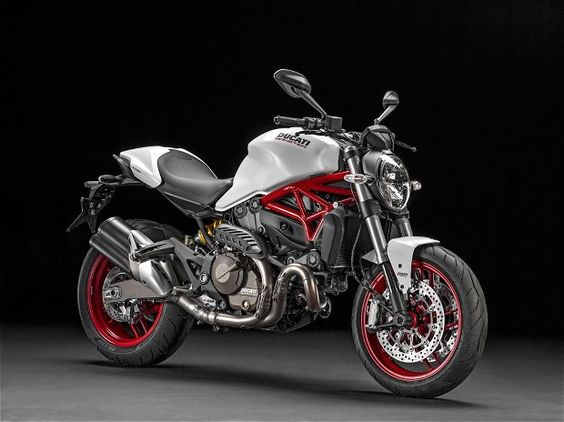 2015 Ducati Monster 821 11