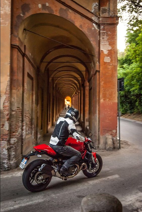 2015 DUCATI Monster 821 | Motorcyclist Magazine