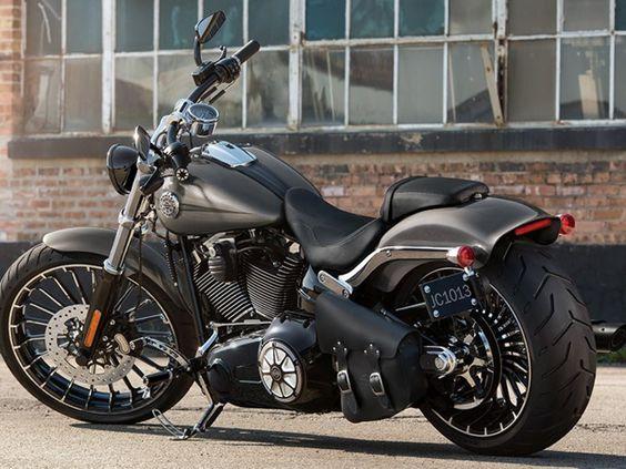 2015 Harley-Davidson® FXSB Softail® Breakout® | Bergen County Harley-Davidson® | Rochelle Park New Jersey