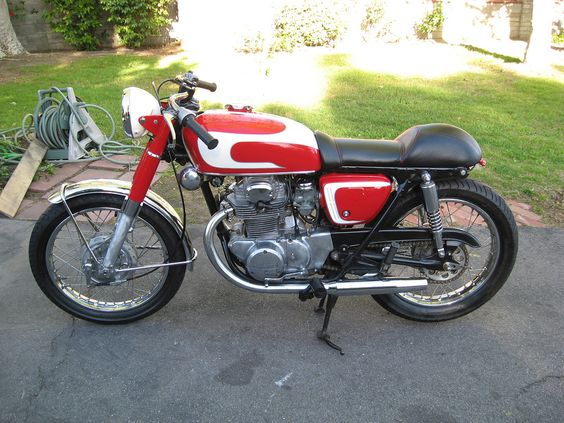 '71 Honda CB350 with Norman Hyde Bar