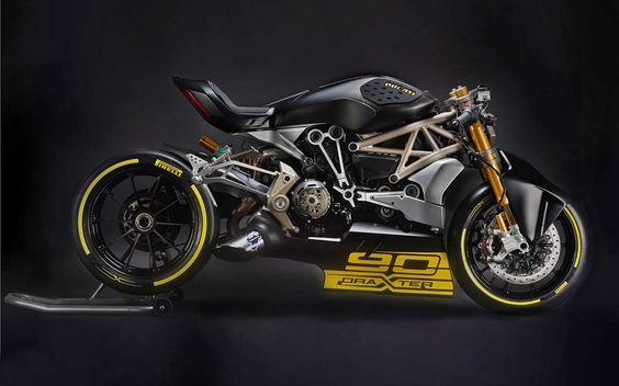 Another custom Ducati unveiled at Verona, the XDiavel based DraXter. Wearing Panigale suspension and brakes and sporting a new, higher powered 1260cc L-twin engine, this beasts ready to tear apart the drag strip. Click the photo for