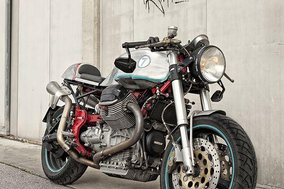 Back to Basics - Guzzi V11 Cafe Racer via