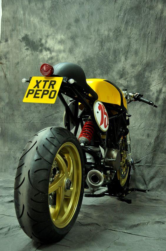 Beautiful Ducati 750 #CafeRacer