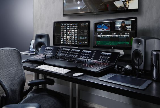 Blackmagic Design: DaVinci Resolve 11 Compare