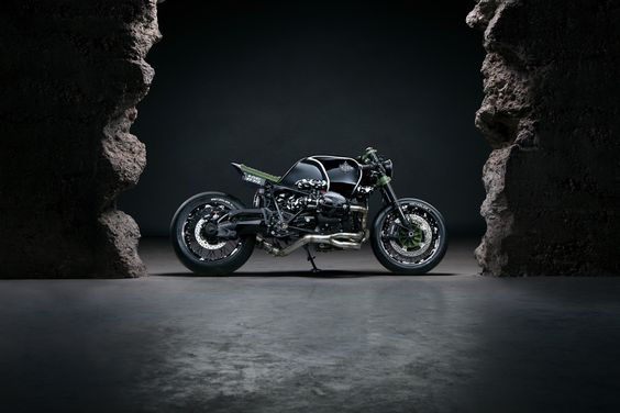 BMW R nineT Cafe Racer DA#4 by Diamond Atelier #motorcycles #caferacer #motos |