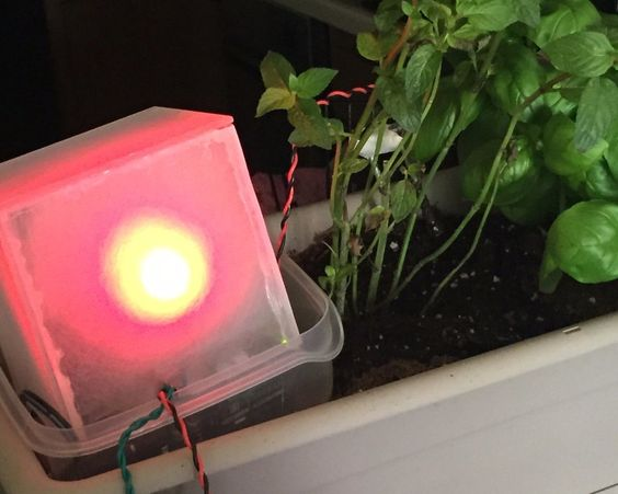 Build an Arduino-based monitor that will let you know if your indoor plants are getting enough light and water. #Atmel #Arduino #PlantMonitor #Makers #Instructables
