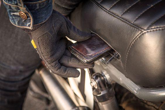 built-in motorcycle seat pocket | Teeth Gnasher: Thor Drake's Scrambler bike