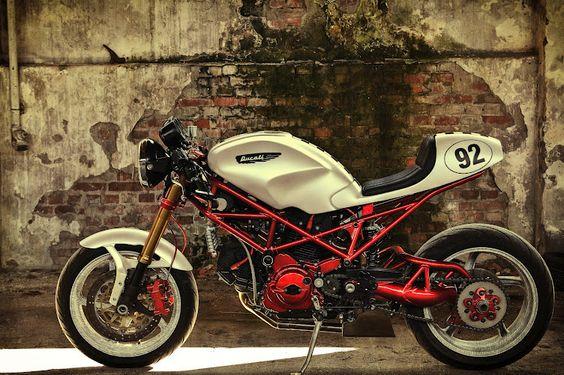 Cafe Racer. Ducati monster