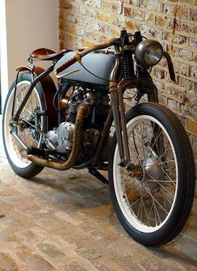 Cafè Racer, this is a work of art! |