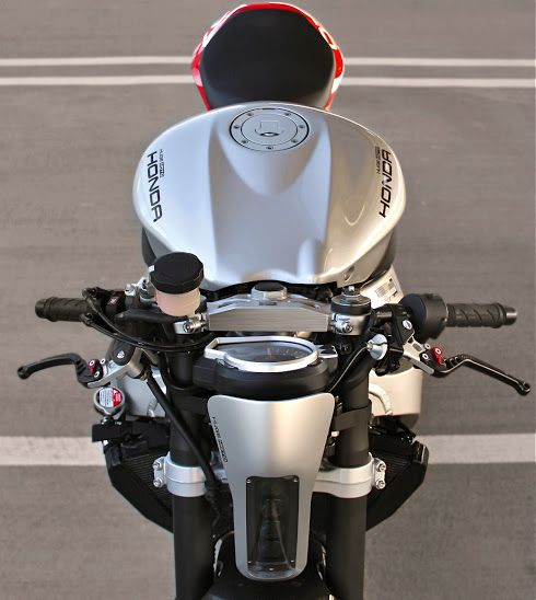 CBR1000 by Huge Design | Inazuma café racer
