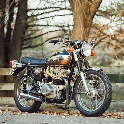Classic Honda motorcycle ~ Love Hondas. Love love love classics. Too cool for