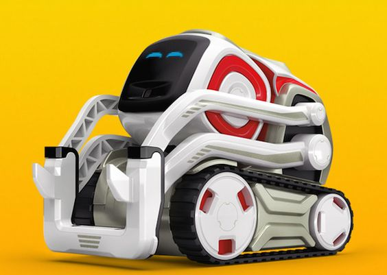 Cozmo promises intelligence, personality, and fun, but is it enough to hold your interest?