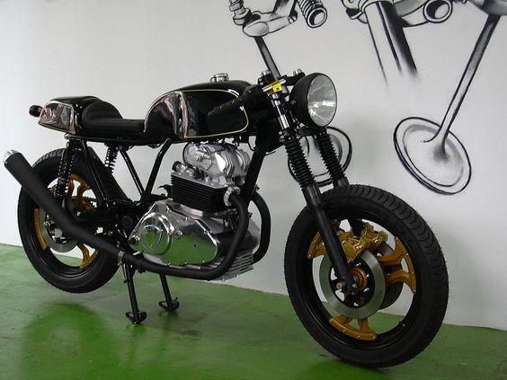#CRB_102 - Cafe Racer Bikes, taller motos | Ducati Desmo 500 - Estilo Cafe Racer ---- Cafe Racer Bikes workshop | Ducati Desmo 500 - Cafe Racer Style