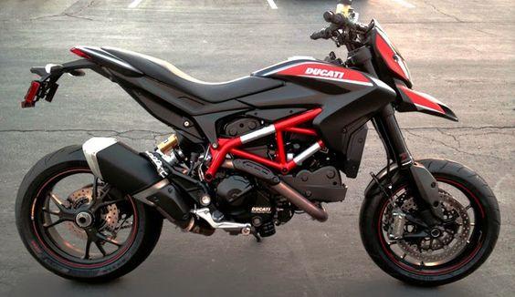 Custom black Ducati Hypermotard SP