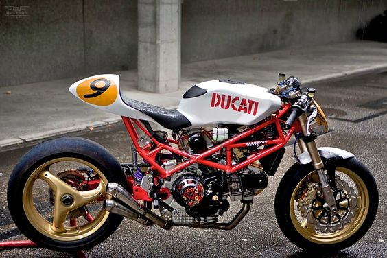 Custom Ducati, 9½ by Radical Ducati