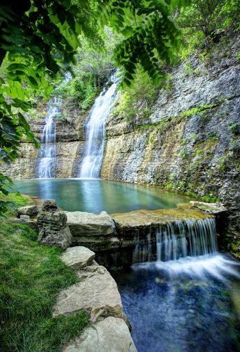 Dogwood Canyon Nature Park in Missouri #BeautifulNature #Waterfalls #NaturePhotography #Nature #Photography #Travel #Missouri