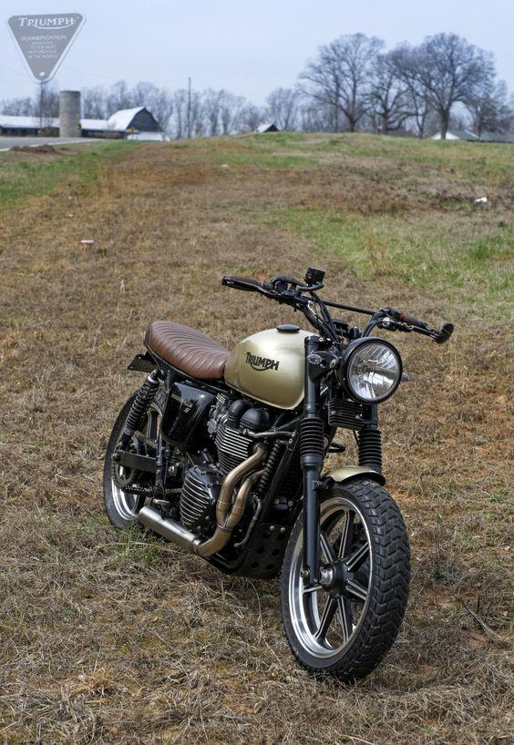 DSCF9701 706x1024 Triumph Bonneville Suburban