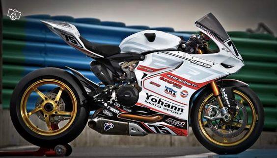 Ducati 1199 Panigale Piste Motorcycle