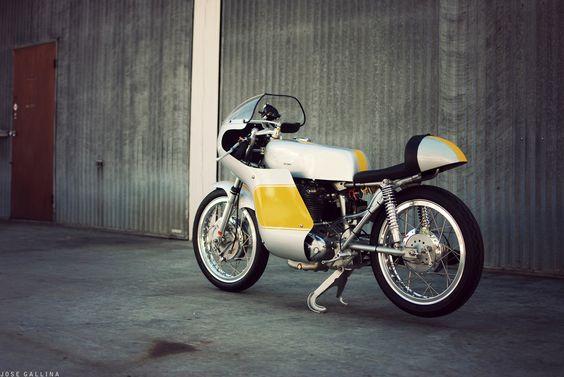 Ducati 250cc Mach 1 ~ Return of the Cafe Racers