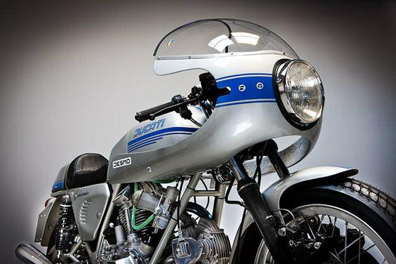 DUCATI 750 SUPER SPORT