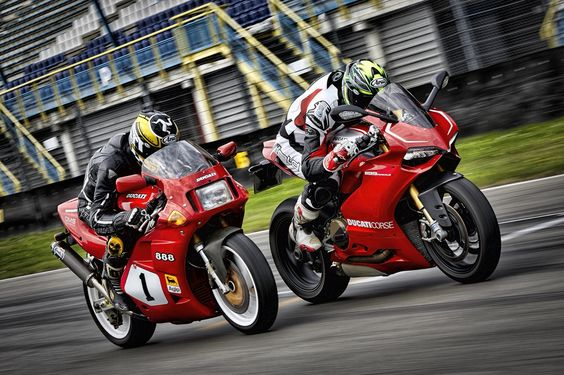 Ducati 888 SP4 vs Ducati 1199 Panigale R by Emma Balt on 500px