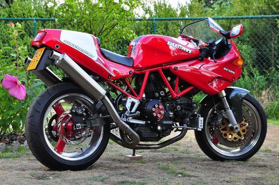 Ducati 900SS Superlight