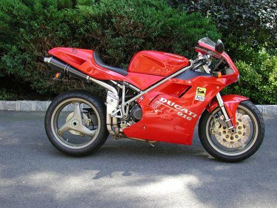 Ducati 916 - Right Side