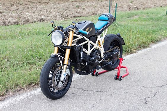 Ducati Cafe Racer - Attrezzo Veloce #motorcycles #caferacer #motos  