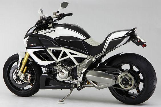 Ducati Diavel AMG DVC by Moto Corse