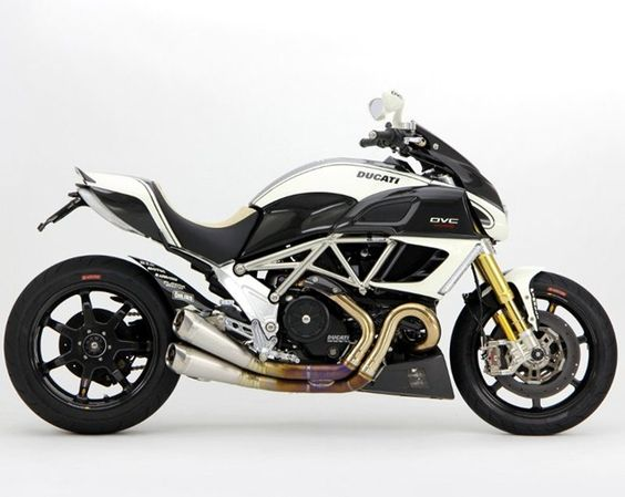 Ducati Diavel DVC by Moto Corse
