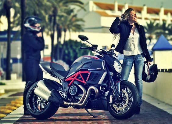 Ducati Diavel & Girl