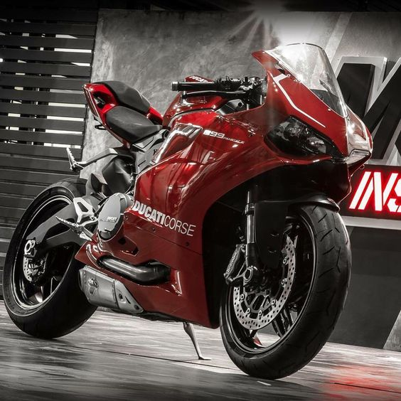 "Ducati Instagram on Instagram: ""The Red Devil Courtesy of: Moto Instinct, Thailand #ducatistagram #ducati #899 #panigale"""