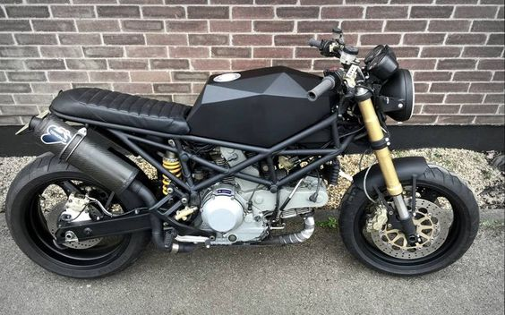 Ducati Monster Brat Style by Robinson's Speed Shop #motorcycles #bratstyle #motos |