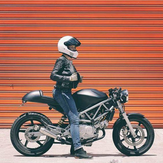 Ducati Monster Instagram : @caferacerturkiye