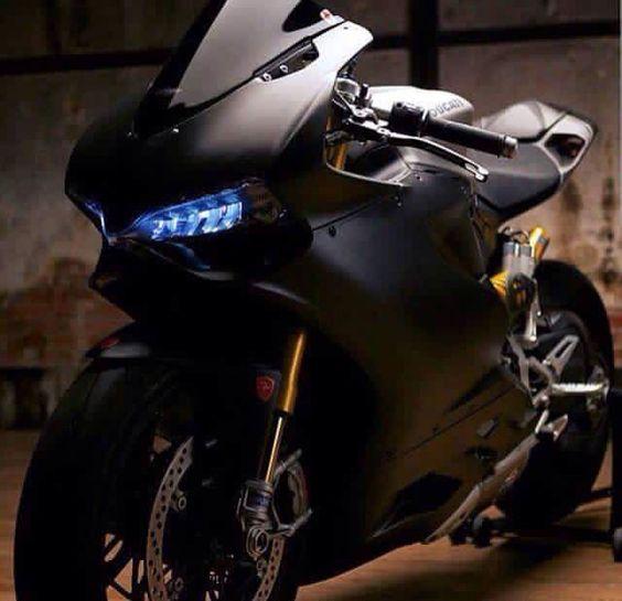 Ducati Panigale Black