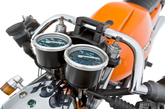 EB053 - Moto Guzzi V50 - Ellaspede