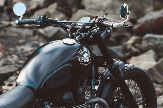 For Deus ex Machina's latest creation, they have taken a 2012 Triumph Scrambler and turned it into a stylish and well-detailed custom motorcycle.
