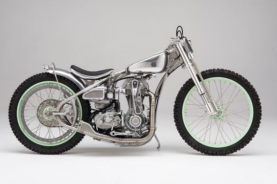 For this rebuild, LC Fabrication took the guts of several bikes and sewed them all together to create a speedway rebuild called Seven.