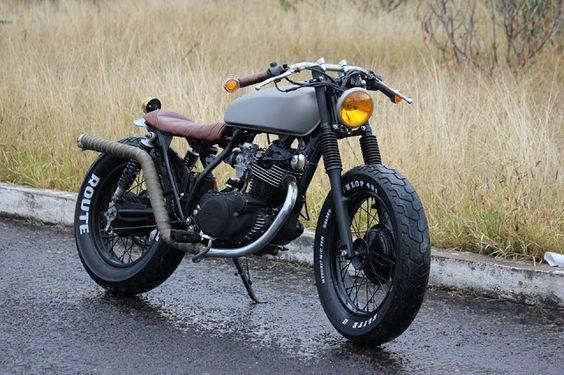 ϟ Hell Kustom ϟ: Yamaha SR250 By Vitium Motorcycles