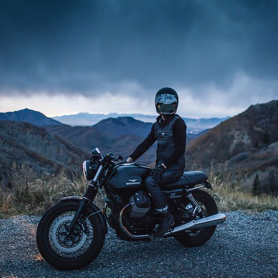 Here's one of the best shots of a Moto Guzzi V7 we've ever seen. it's by Jun Song, one of the three top motorcycle photographers we've just profiled with the help of our friends at @Saint #ridefastridefree
