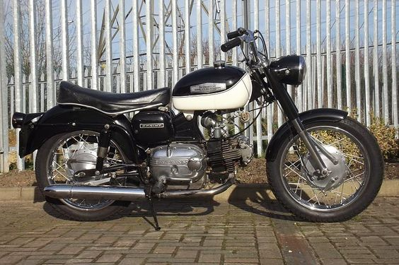 high quality Italian Motorcycles | For sale and just reduced in price: Aermacchi Harley Davidson sprint C 1966