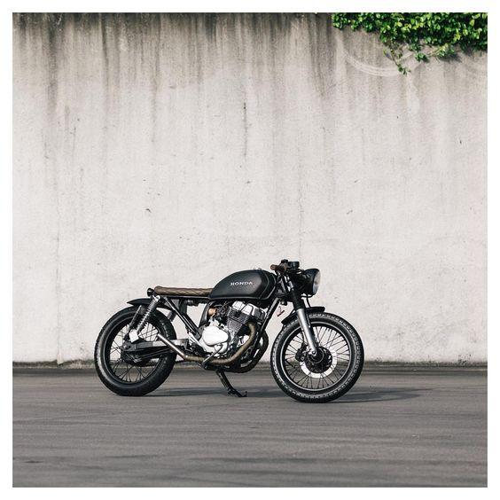 Honda 250 cafe racer discover #motomood