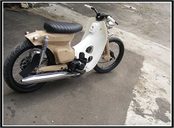 Honda C90  SOMETHING COMPLETELY OUT OF THE ORDINARY FOR MY BOARD!