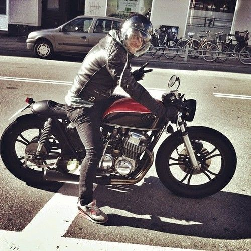 Honda CB 750 Cafe Racer #motos #caferacer #motorcycles |