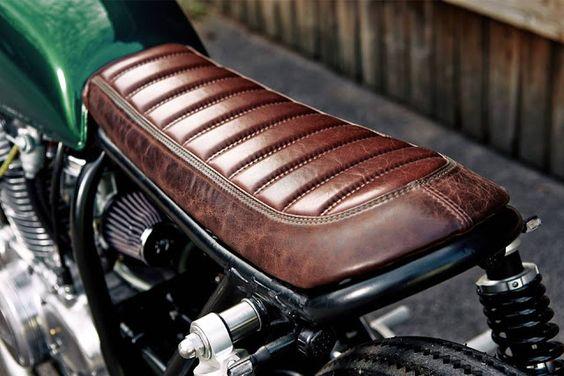 Honda CB250 Cafe Racer by Blackbean Motorcycles #Honda #caferacer #motos |